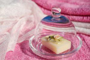 ピンクのタオルと石鹸